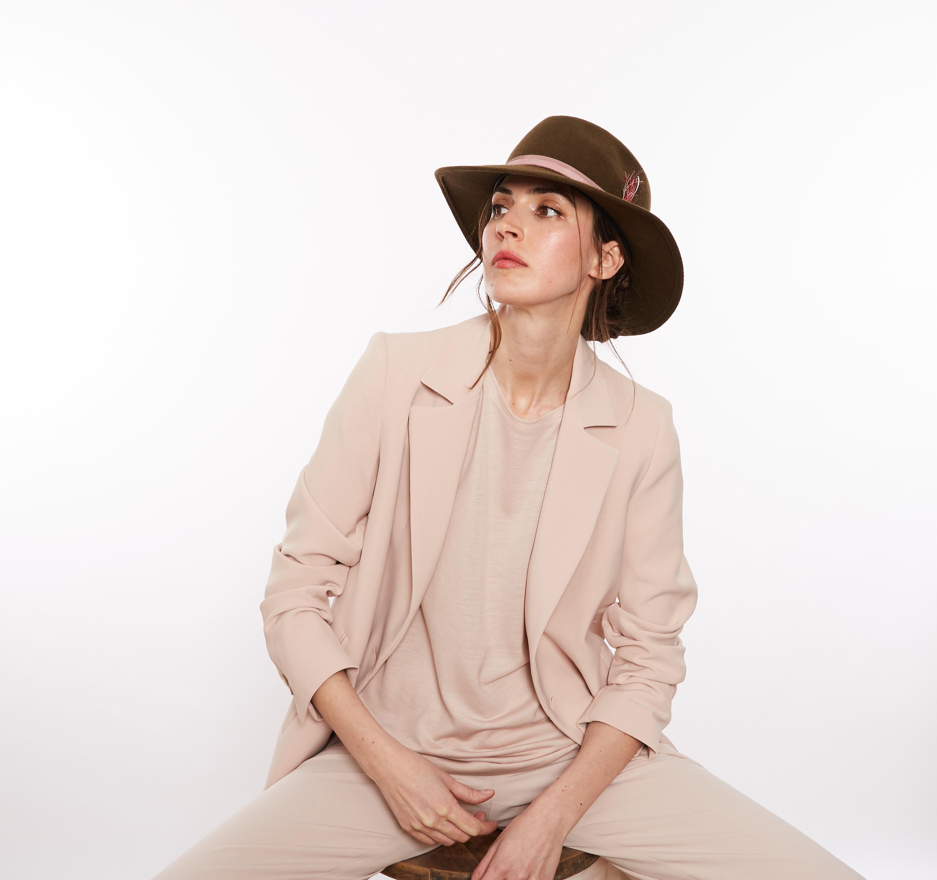Natalia Baquero - Chapeaux - Mode Locale -Designer - Montréal