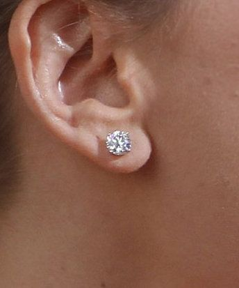 Diamond studs - bijoux - diamants - jewelry - heirloom